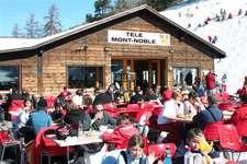 Apéro à Dzorniva offert par Télé Mont-Noble