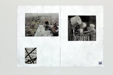 Sladjan Nedeljkovic, O.T. (COVERING), 2013, Zeitungspapier silbrig gesprayt, 57 x 40 cm